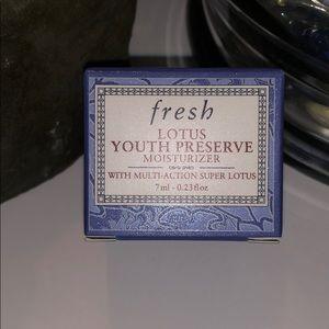 5/$20 fresh Lotus Youth Preserve Moisturizer New